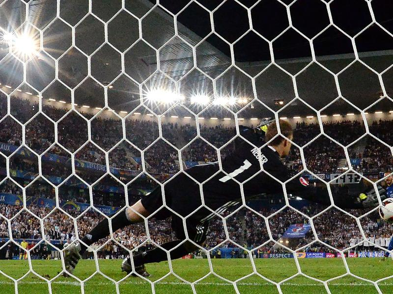 Italy's defender Leonardo Bonucci misses a goal during a spot-kick in the penalty shootout in the Euro 2016 quarterfinal football match between Germany and Italy at the Matmut Atlantique stadium in Bordeaux. (AFP Photo)