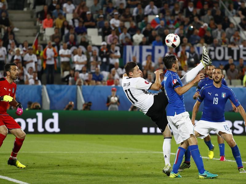 Germany's Julian Draxler shoots at the goal with an overhead kick. (REUTERS)