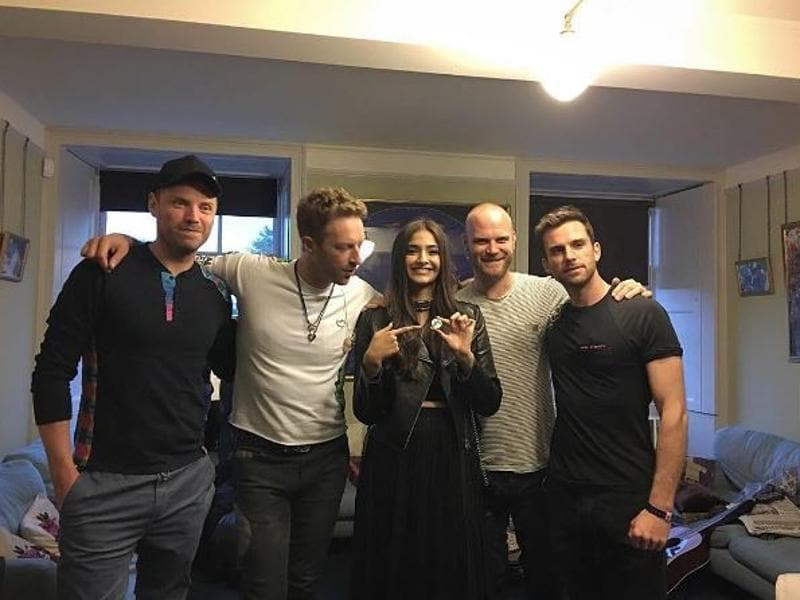 Sonam Kapoor met with Coldplay members after their performance at Kensington Palace. (Instagram)