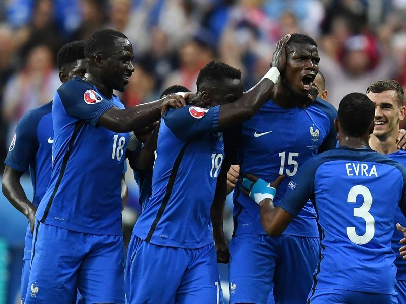 France teammates celebrate with scorer France's midfielder Paul Pogba (15) the team's second goal. (AFP photo)