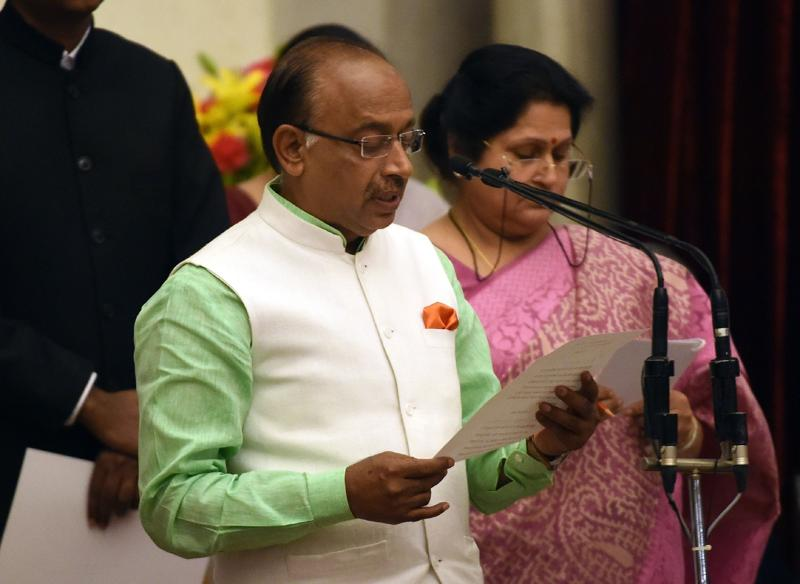 Bhartiya Janata Party (BJP) politician Vijay Goel takes the oath as minister of state. (AFP)