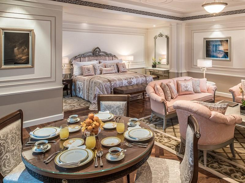 Palazzo Versace Dubai's 1,000 square foot executive suites have a spacious living and dining area, king size bed and walk-in wardrobe. (Palazzo Versace)
