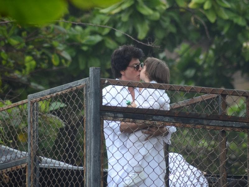 Cutesness overload! AbRam kisses his dad. (Viral Bhayani)