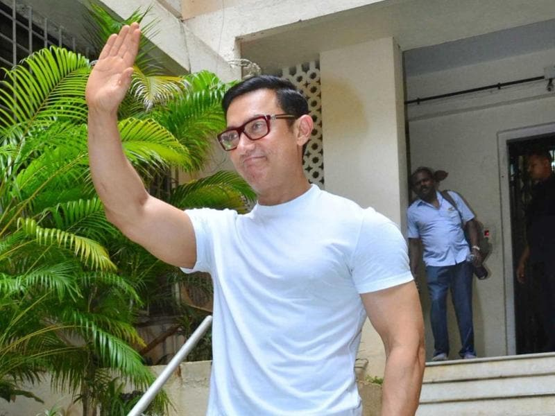 Aamir Khan, too, greeted fans and talked to reporters in Mumbai to mark Eid celebrations.  (Viral Bhayani)