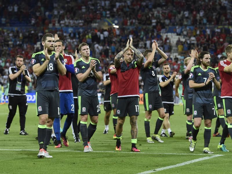 Wales players acknowledge the crowd after loosing to Portugal 2-0 in the Euro 2016 semifinal. (AFP Photo)