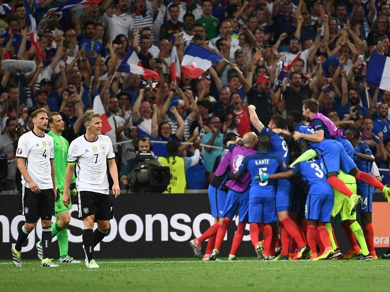 France's players celebrate after their second goal during the Euro 2016 semifinal football match between Germany and France at the Stade Velodrome in Marseille. (AFP Photo)