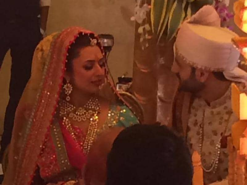 Divyanka Tripathi and Vivek Dahiya during their wedding ceremony on Friday in Bhopal. The popular TV actors from Yeh Hai Mohabbatein decided to tie the knot after dating for a few months. (SnehalSahay/Facebook)