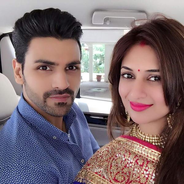Divyanka also shared a picture with her husband Vivek and captioned it as 'Mr and Mrs Dahiya.'
