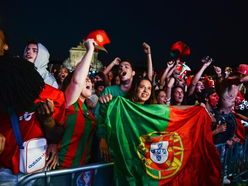 Portugal football team's supporters are ready to celebrate their first Euro Cup in years. (AFP PHOTO)