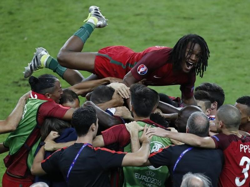 Portugal's Renato Sanches and team mates celebrate the goal by Eder. (Reuters)