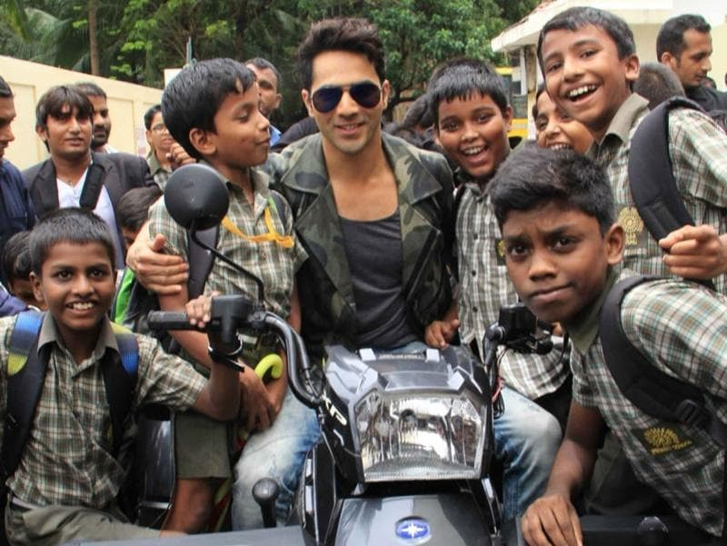 A lot of young fans surrounded Varun as he posed for photographs. (IANS)