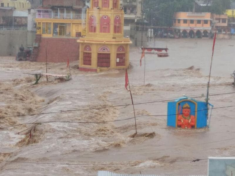 Over the past few days, Nashik received 90mm rainfall and Godavari river was flowing above the danger mark (HT PHOTO)