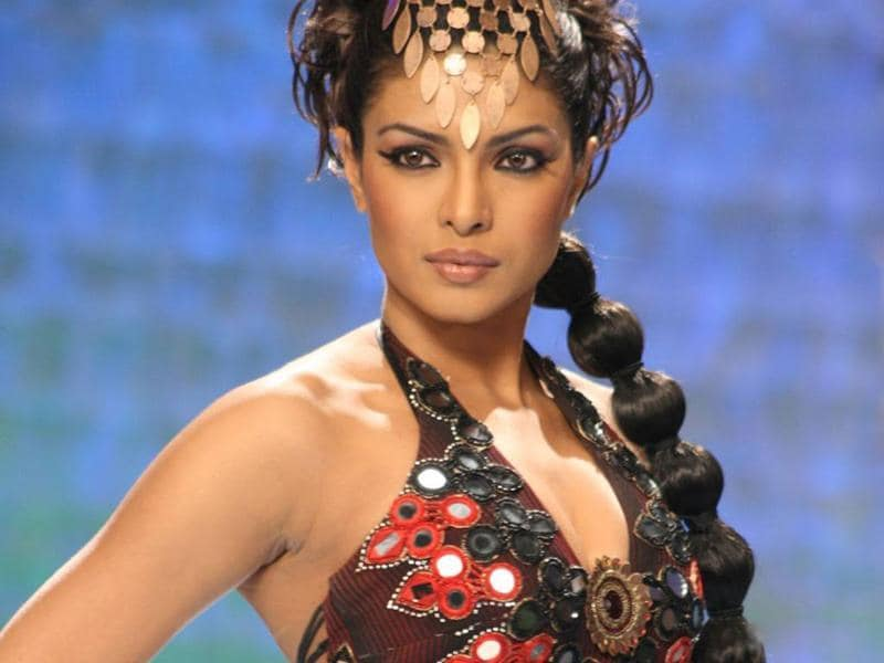 Priyanka received her wide critical acclaim for her performance in Madhur Bhandarkar's Fashion (2008). She also won her first National Award for the movie.