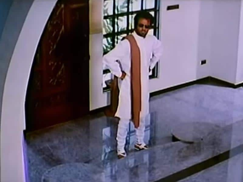 For Padaiyyappa (1999), he went desi, perfecting a chudidar-kurta get-up paired with glasses.