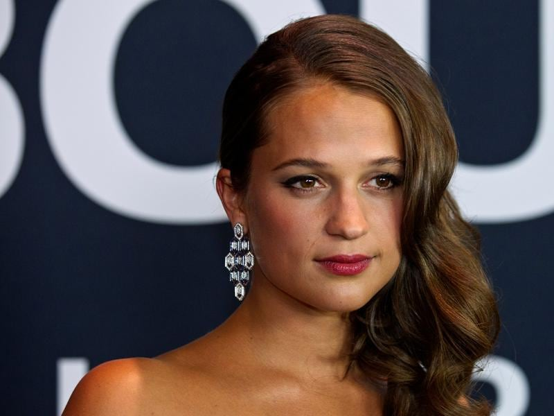 Swedish actor Alicia Vikander arrives for the Universal Pictures movie premiere of Jason Bourne.  (REUTERS)