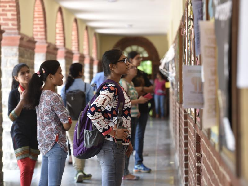 Meanwhile, the fifth and final cut-off list for admissions to the university was issued last night with seats in popular courses still being available in several prominent colleges. (Saumya Khandelwal/HT PHOTO)