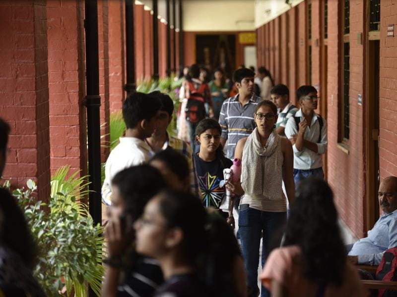 The last list offers admissions to general students in popular courses of B.Sc (Hons) Maths, B.Com and B.Com (Hons) at 23, 27 and 38 colleges respectively. (Saumya Khandelwal/HT PHOTO)