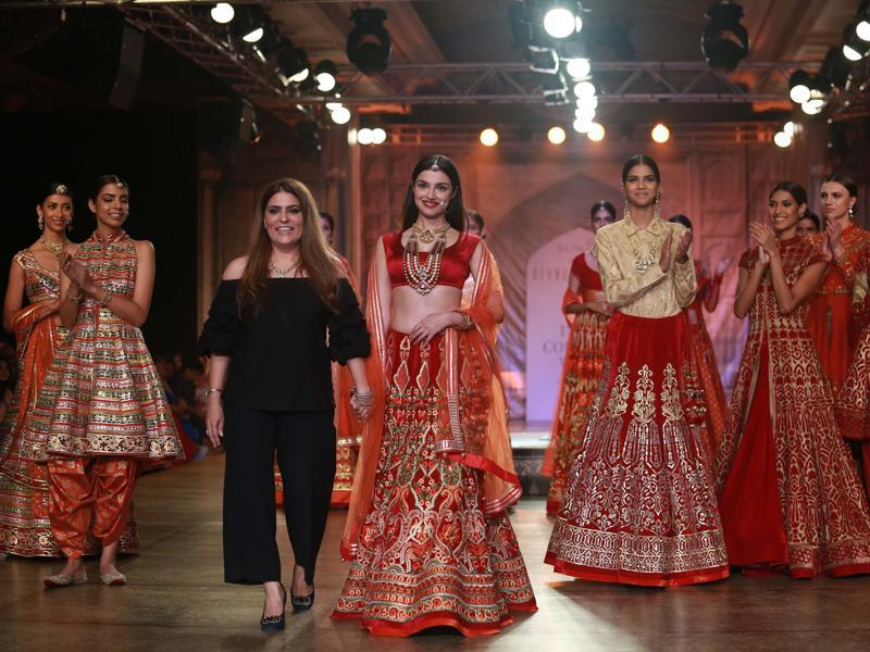 The ongoing 5-day fashion extravaganza is getting bigger and better with each passing day. Reynu Taandon chose Bollywood personality Divya Khosla Kumar as her showstopper.  (Amal KS/ HT Photo)