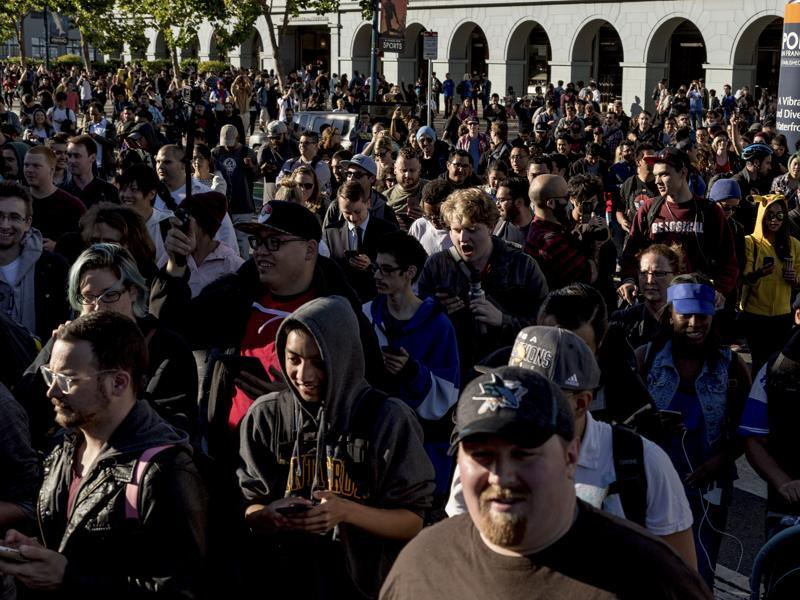 No, these people have not congregated for a movie screening or a music fest or a comic on. They had gathered outside San Francisco's Ferry Building on July 20, 2016 to play a game that has blurred the boundaries between the virtual and the real, mixing the two, and the result couldn't have been more overwhelming.  (NYT)