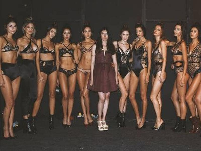 Let's give you a lowdown on how to look absolutely sexy and chic every single day. Here're all the gorgeous runway looks from this year's sexy Colombiamoda, also known as Colombia Fashion Show, in Colombia. (Instagram)
