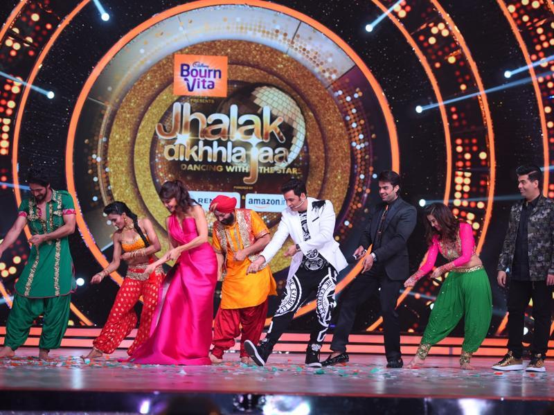 If this wasn't enough, the judges don't miss a chance to show of their moves. Be it Jacqueline dancing with the contestants even before giving her first judgement or Karan showing off his moves on the song Mera Naam Mary. (COLORS)