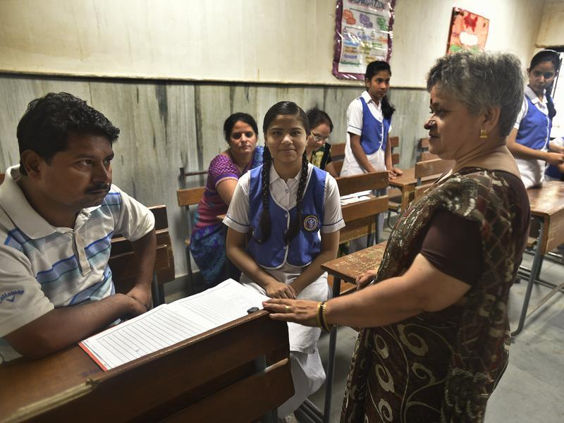 The Delhi government has sanctioned a separate budget to organise parent-teacher meetings in nearly 1,000 schools it runs. (Raj K Raj/HT PHOTO)