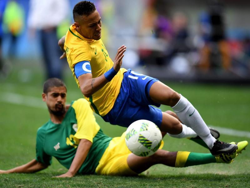 Neymar, one of the three 'overage' players, in the under-23 squad, played deeper, attempting to pull the strings from behind the younger forwards Gabriel Barbosa and Gabriel Jesus. The youngsters, however, missed their chances, including a sitter in the second half. (AFP)