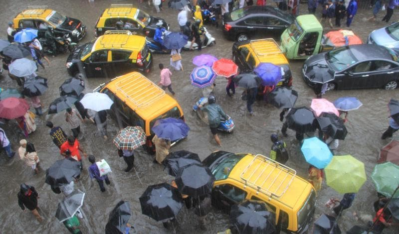 Chaos on the streets at Hindamata after heavy rains lashed  Mumbai on Friday. (Bhushan Koyande)