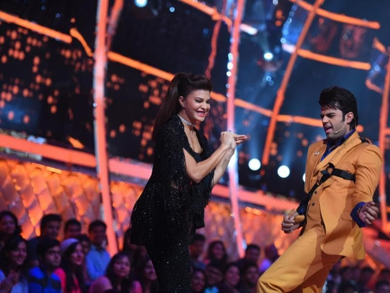 Host Manish Paul and debutant judge Jacqueline Fernandez have some fun on the sets of Jhalak Dikhhla Jaa . The duo will be seen performing on naagin dance on Saturday's episode.