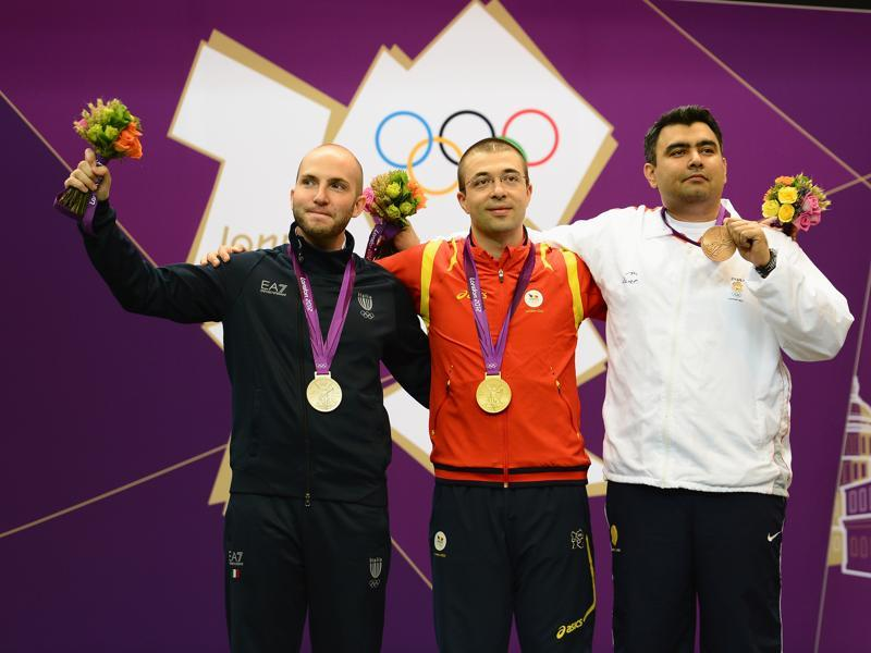 A proud moment, one which Gagan Narang called 'a huge stone off my chest' at the medal ceremony after the 10m air rifle final. (Getty Images)