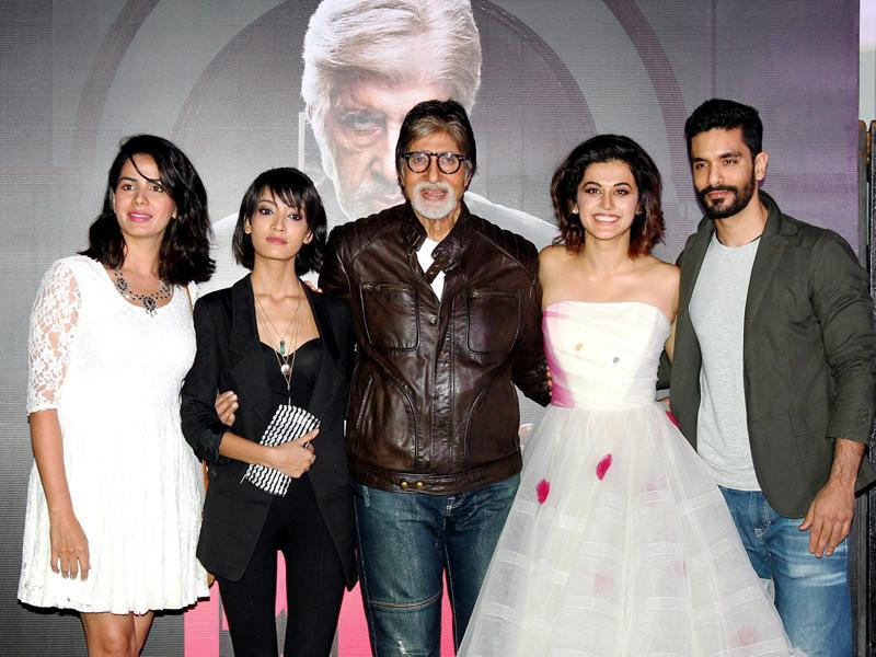 Amitabh Bachchan poses with Taapsee Pannu, Kirti Kulhar and Andrea Taring at the trailer launch of his upcoming film Pink. (PTI)