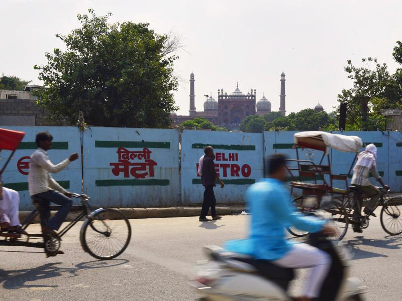 The Metro comes to Jama Masjid in Old Delhi.  3D panels the station for the mosque will showcase arches, minarets, domes and marble inlays of the heritage building. (Saumya Khandelwal/HT PHOTO)