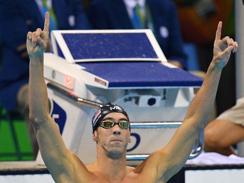 Phelps reacts after wresting the men's 200-metre butterfly gold from Le Clos, who had outshone the American in London four years ago. (AP photo)