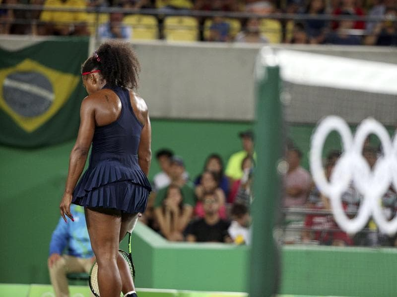 Serena committed 37 unforced errors in the third-round match against Elina Svitolina of Ukraine. She was also hampered a shoulder injury in the 4-6,3-6 loss. (REUTERS Photo)