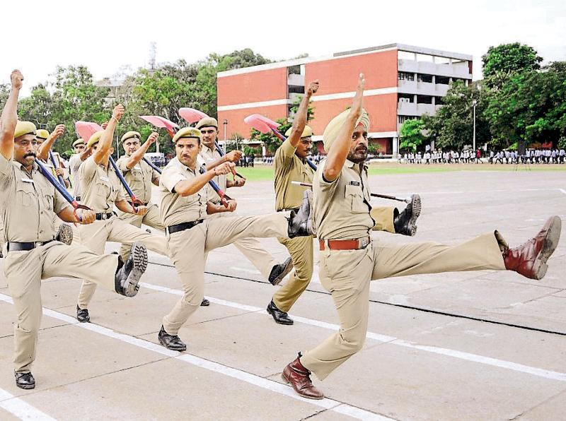 Policemen at rehearsals for the I-Day parade in Chandigarh on Thursday. (Anil Dayal/HT Photo)
