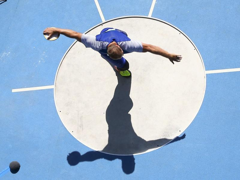 Gerd Kanter of Estonia in action during a men's discus throw final at the Olympic Stadium in Rio de Janeiro on August 13, 2016. (Pawel Kopczynski / Reuters)