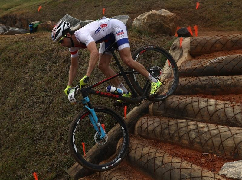 Jan Skarnitzl of Czech Republic traverses the treacherous conditions. (Getty Images)