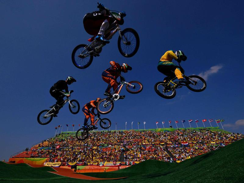 Riders compete in the Men's BMX final event at the X Park Stadium in Rio de Janeiro on August 19, 2016.  (Carl De Souza/ AFP Photo)