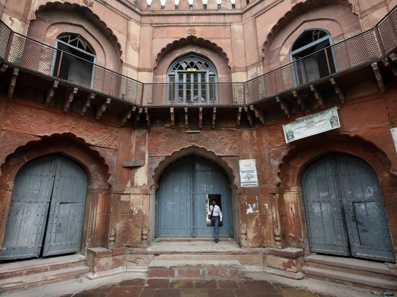 The maintenance and upkeep of the 324-year-old building is a challenge. (Ravi Choudhary/HT PHOTO)