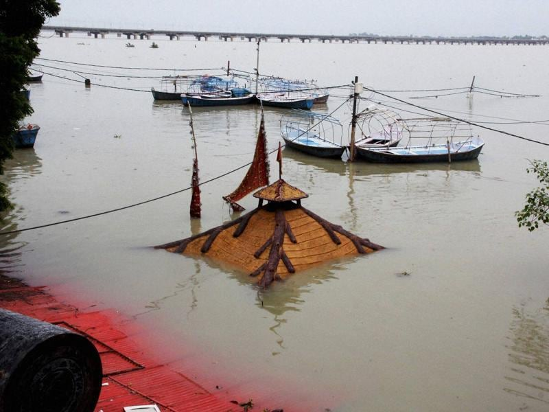 Allahabad: Huts of sadhus submurged in water of River Ganga and Yamuna after water level rose second time in Allahabad on Monday.  (PTI)