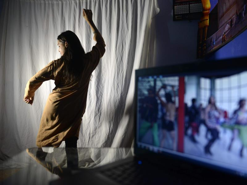 But as an e-commerce boom revolutionises how Pakistanis conduct the world's oldest profession, locals say the historic Heera Mandi district is under threat. A Pakistani dancer practices her Bollywood dance moves in an academy in Lahore.  (AFP)