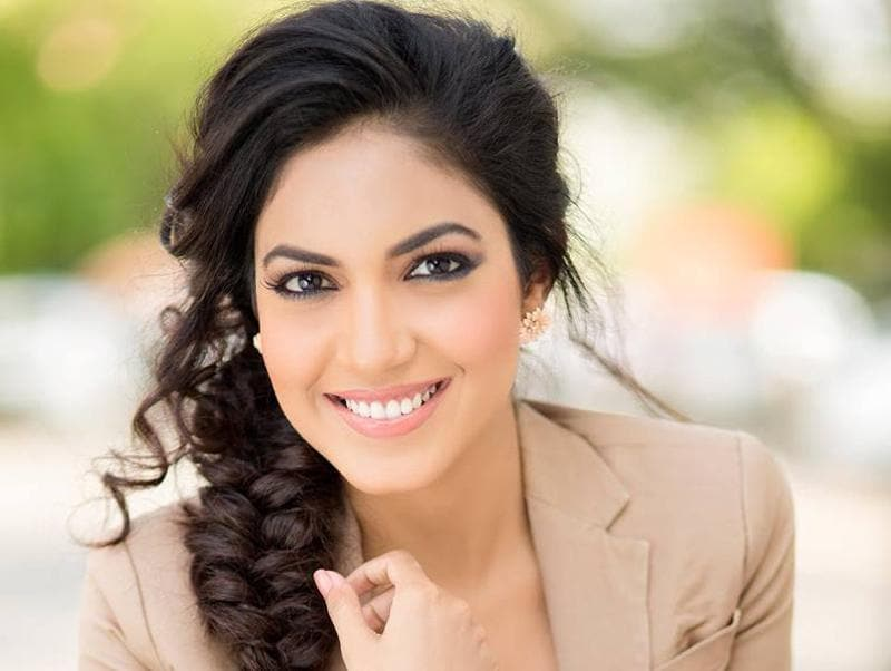 Mostly seen in Telugu films, Ritu Varma made her debut with Baadshah (2013). A north Indian, born and brought up in Hyderabad, Ritu is known for her role in the short film, Anukokunda.