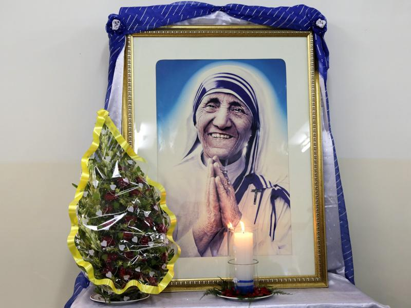 As the world in general and India - her adopted homeland - in particular, gear up to celebrate her canonisation nearly two decades after her death, those who had known her well, lived and worked with her, remember the person behind the public face. (Bikas Das/AP)