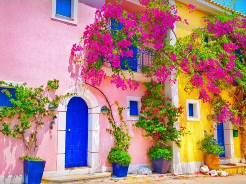 Readers of Condé Nast Traveller UK magazine have voted and named Greece the best country in the world in the 2016 edition of the Readers' Travel Awards. Oh, how pretty is this multi-coloured house in Kefalonia Island. (visitgreecegr/instagram)