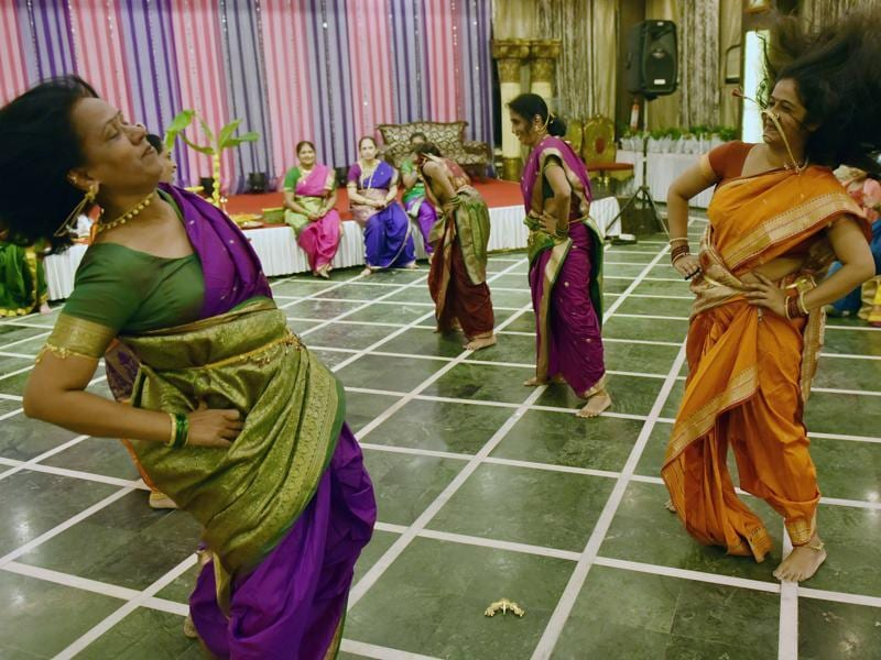 Women perform the pinga. (Pratham Gokhale/HT PHOTO)