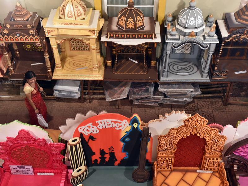 LORD OF THE THRONES: Decoration items on display at Dadar market. (Pratham Gokhale/HT )