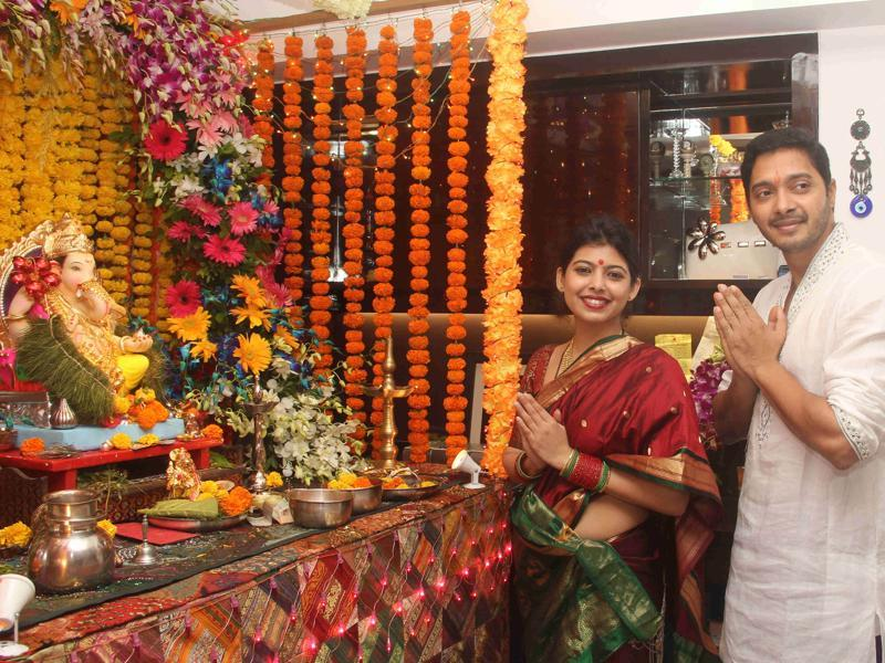 Shreyas Talpade  also celebrates the occasion along with his wife Deepti Talpade as they welcomed Ganpati to their home.