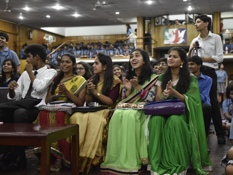 Teachers' Day celebration in progress at a city schools in New Delhi on Monday.  (Saumya Khandelwal/HT PHOTO)