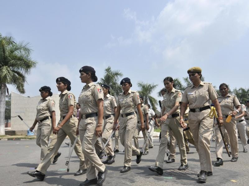 PU security personnel and police on campus on election eve. (Ravi Kumar/HT Photo)