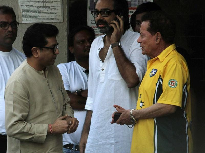 MNS chief Raj Thackeray and Bollywood writer Salim Khan during the festivities of Gansha festival at the writer's residence. (yOGEN sHAH)